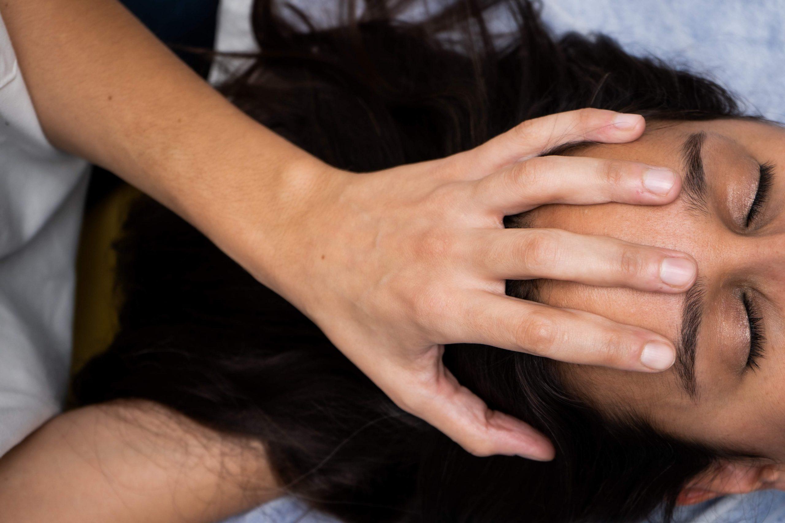 El estrés se refleja en el cuerpo: ¿aprietas los dientes?